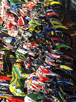 Red_Bull_FIM_Motocross_of_Nations_2008_start_line