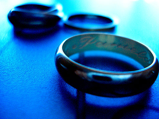 Rings_in_blue