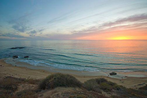 512px-Crystal_Cove_Beach_Sunset_(6886550148)