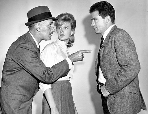 512px-Keenan_Wynn_Linda_Evans_Jack_Ging_The_Eleventh_Hour_1963
