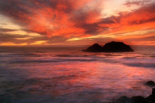 512px-Sunset_at_Land's_end_in_San_Francisco