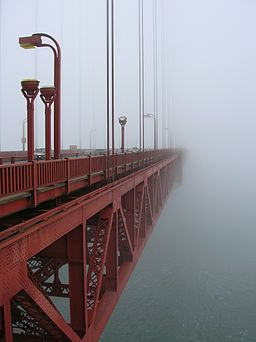 256px-morning_fog_at_ggb